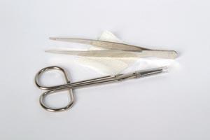 "Suture Removal Kit Tray Includes: WF Littauer Scissors, Metal Forceps, 2"" x 2"" Gauze, 50/cs"