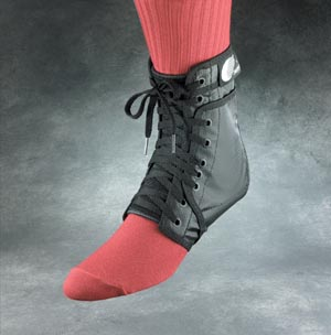 Ankle Support, Standard Tongue with Stabilizers, Small, Black, Retail Packaging (SWE21212R, 083069)